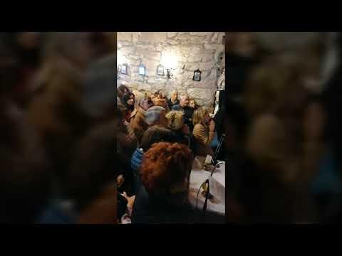 La capilla del Nazareno se llena de devotos para pedir las Tres Gracias