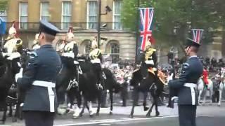 A runaway horse during the royal wedding.rmvb