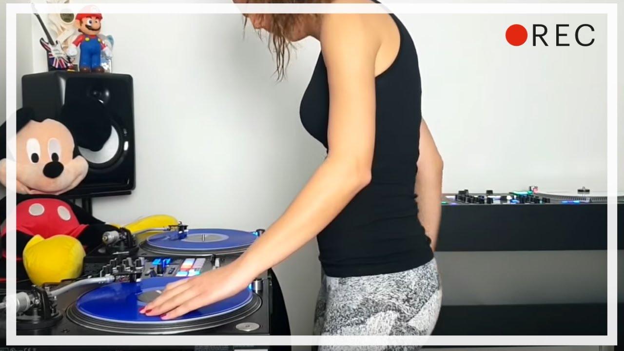 DJ Lady Style - Jump Around