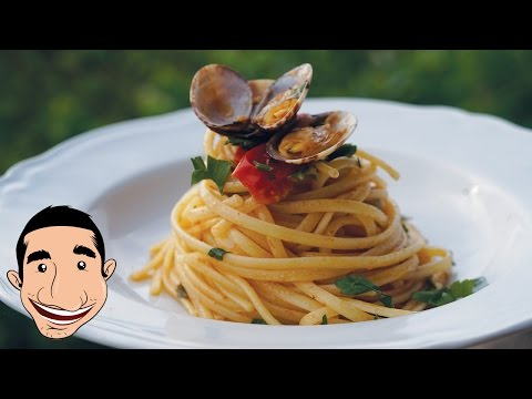 How to Make BEST PASTA VONGOLE (Linguine with Clams Recipe)