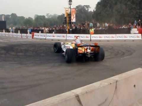 Ranault F1 at Rajpath (India Gate) New Delhi - 1
