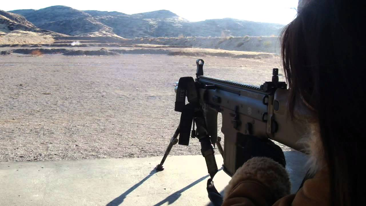 FN SCAR HEAVY Standing Bipod shooting with Iron Sight