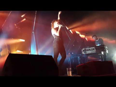 Sylvan Esso - Song (Brooklyn Steel 5/18/17)