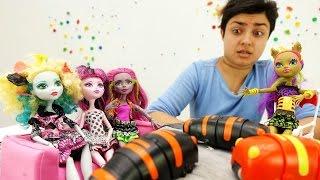 Видео для девочек про куклы Монстер Хай. Вечеринка с Барби