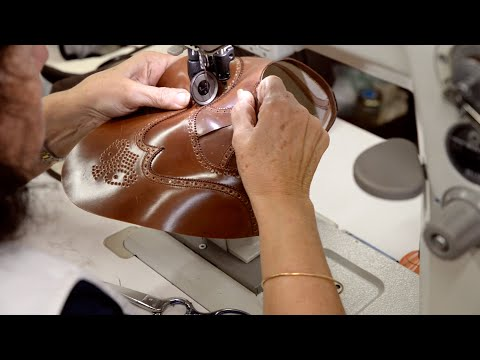 Hand Stitching Shoes · Carmina Shoemaker