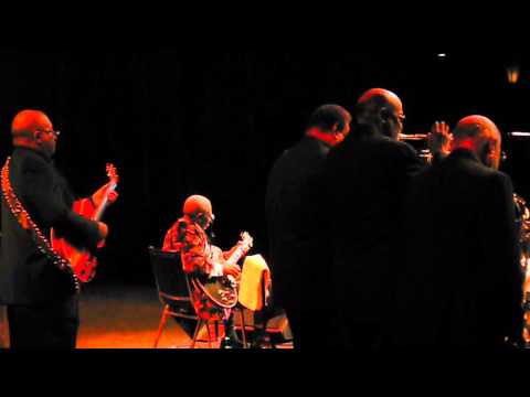 "BB King~""Rock Me Baby""~Saban Theater~Dec. 2013~L1110623"
