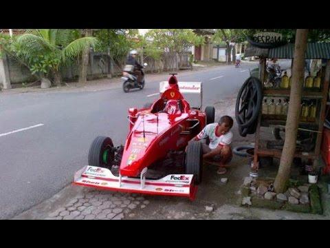 """GILA HANYA Di INDONESIA , Mobil F1 """"ISI BENSIN"""" Dan """"TAMBAH ANGIN"""" Di Pinggir JALAN !!"""