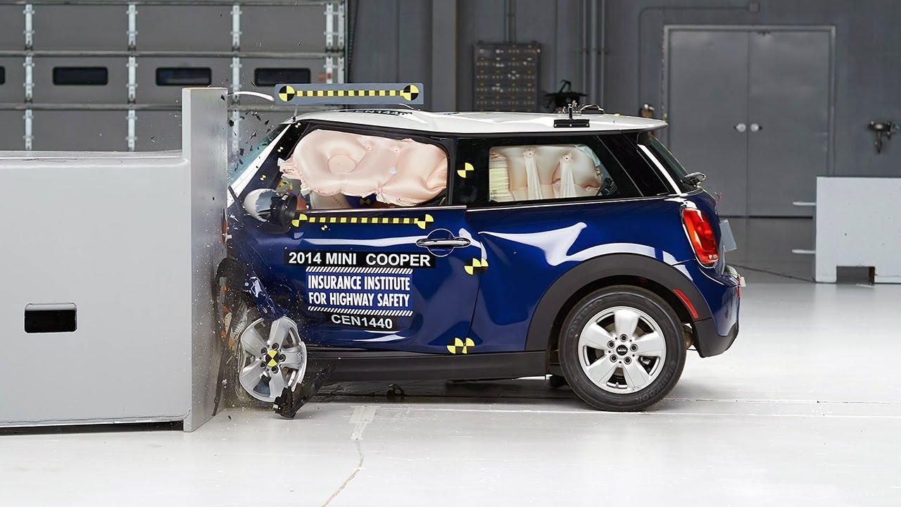 2014 mini cooper driver side small overlap iihs crash test. Black Bedroom Furniture Sets. Home Design Ideas