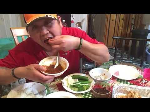 Eating Laos food