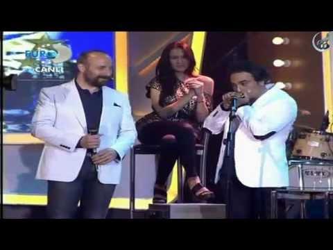 Султан Сулейман и Сюмбюль Ага поют песню Beatles Let it Be