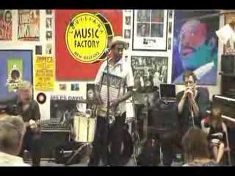Washboard Chaz @ Louisiana Music Factory JazzFest 2008