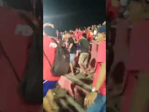 hujan batu persijap vs pss di dalam stadion GBK JEPARA,17 mei 2017