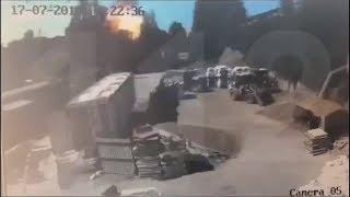 Смотреть видео Ужасный взрыв в Петербурге!!! Двое сотрудников погибли онлайн