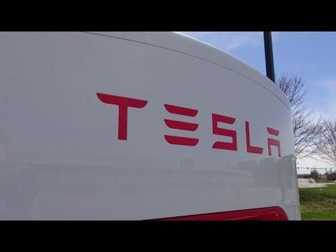 Tesla Supercharger Station Visit! (Lexington, KY - March 2015)