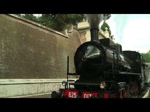 Au Vatican, le train du pape reprend du service pour les touristes