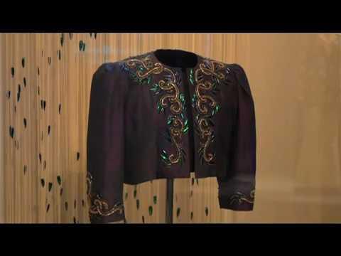 Thailand Showcase EP 49   Queen Sirikit Museum of Textiles o