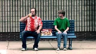 Супер-реклама пива Grain Belt Beer. Как взорвало мужика! ))(Ну очень забавная реклама пива Grain Belt Beer. Мужик просто лопнул от выпитого пива., 2013-11-11T08:22:08.000Z)