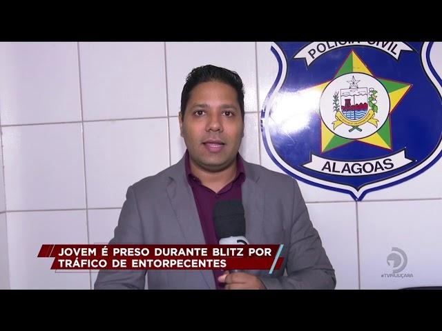 Jovem é preso durante blitz por tráfico de entorpecentes, no Benedito Bentes