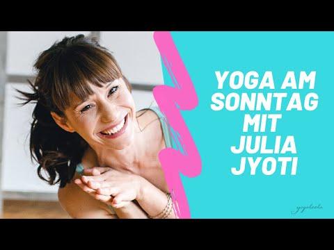 yoga-am-sonntag-mit-julia-jyoti-vosen-live-auf-facebook