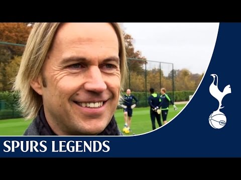 Spurs TV | Ian Walker stops by training