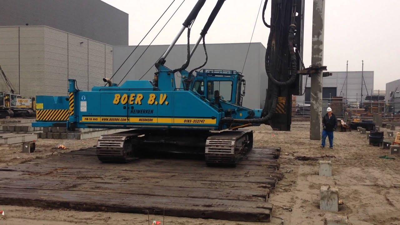 Junttan pile driving rig from Boer B V