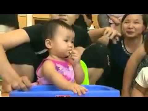 Giới thiệu về phương pháp ăn dặm do bé tự chỉ huy Baby Led Weaning Low