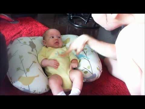 Игры с новорожденным. Анабеллочке 2 месяца