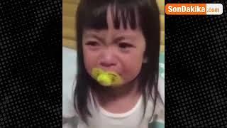 Oscarlık Performans Minik Kızın Ağlama Numarasına Milyonlar Güldü