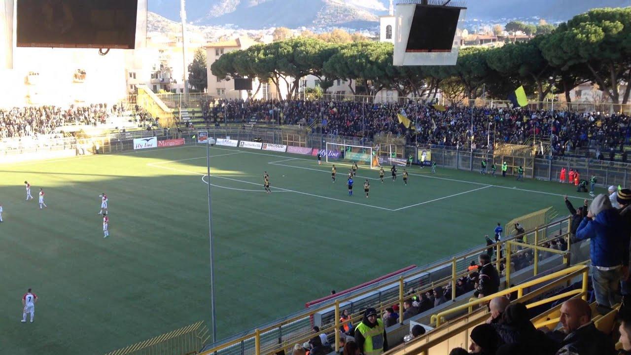 Juve Stabia Benevento 06 01 2015 Esultanza Gol Di Carmine Youtube