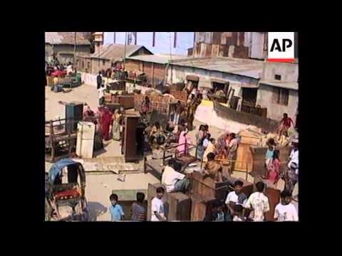 BANGLADESH: DHAKA: FIRE DESTROYS HUNDREDS OF BUILDINGS