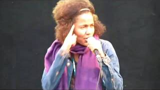 Nneka Performing Soul Is Heavy  Live