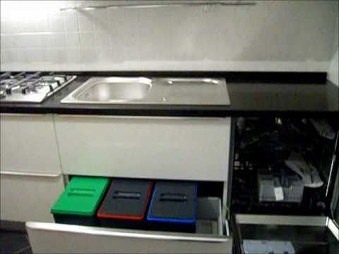 glossy white kitchen with quartz top and flush handle - youtube - Top Cucina Nero