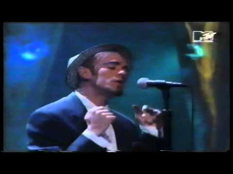 REM - Everybody Hurts / Drive ( MTV Video Music Awards 1993)