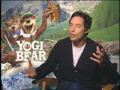 Tom Cavanagh Talks Abo...