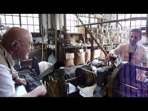 Métier à câbler en fonctionnement - Corderie Vallois