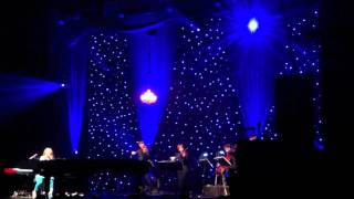 Tori Amos - Girl Disappearing *Live*