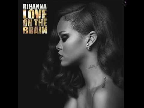 Rihanna - Love on the brain (Live @...