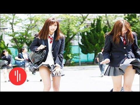 Tidak Memakai Celana Dalam Kesekolah Di Jepang??? WOWw....