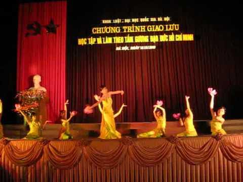 múa Từ Làng Sen - SV Khoa Luật 2010.flv