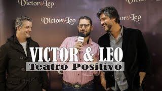 Baixar VICTOR E LEO NO TEATRO POSITIVO, TEVE PARTICIPAÇÃO ESPECIAL COM RENATO TEXEIRA