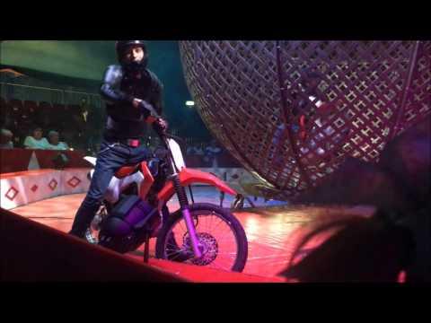 Globe of death , Globe Riders , Circus Funtasia 2017, Daredevil motorbike riders!!