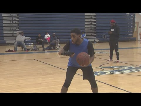 Landstown basketball player doesn't let disability hold him back