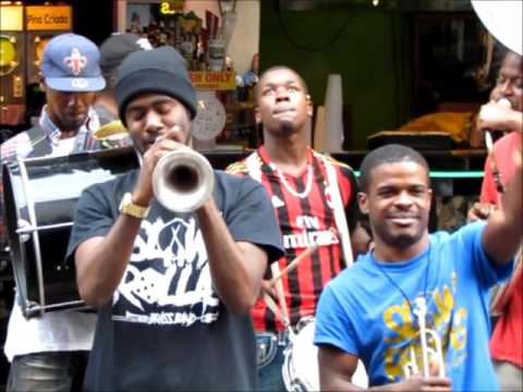 Slow Rollas Brass Band ~ 25-Minute Jam!! French Quarter 3-7-2017