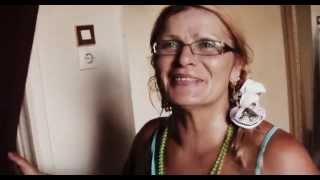 ГРЕЦИЯ: Заселяюсь в комнату за 6 евро в сутки в Афины (Greece Athens)(Ответы на вопросы http://anzortv.com/forum Смотрите всё путешествие на моем блоге http://anzor.tv/ Мои видео путешествия по..., 2012-09-07T13:34:11.000Z)