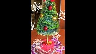 Как сделать ёлочку своими руками из мишуры. Christmas tree