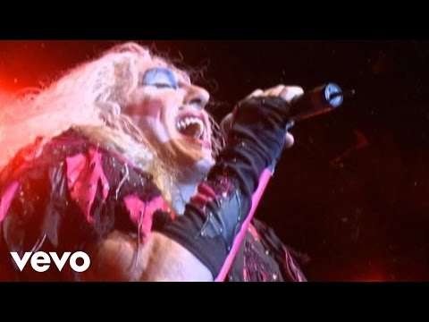 Twisted Sister – I Saw Mommy Kissing Santa Claus
