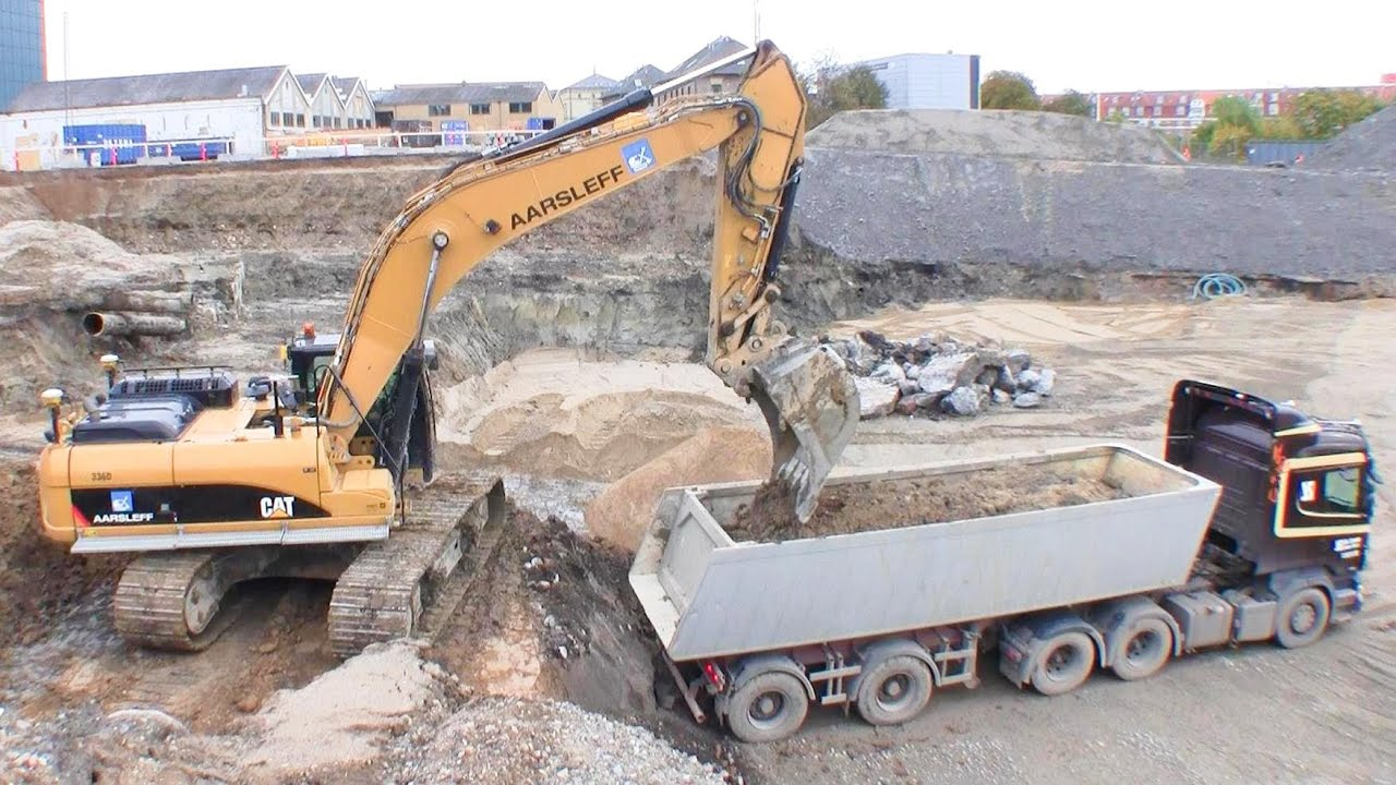 Cat 336d Excavator With 3d Gps Loading Scania V8 Semi