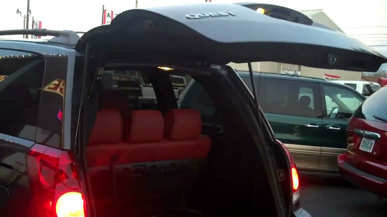 coolest minivan ever 2004 nissan quest se doovi. Black Bedroom Furniture Sets. Home Design Ideas