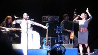 "India.Arie & Her Mom: ""Soul Bird Rise"" - Beacon Theatre New York, NY 11/2/13"