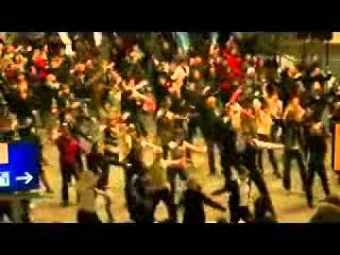 Berlin Flashmob with Eric Clapton Singing Willie and the Hand Jive